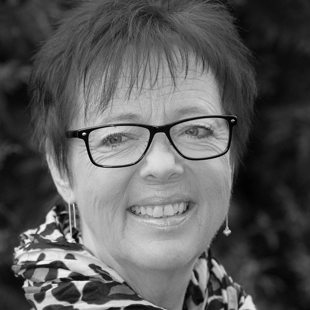 Tina Høfler Jonassen, 64 år